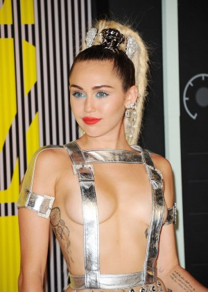 Miley Cyrus: 2015 MTV Video Music Awards in Los Angeles [adds]-107